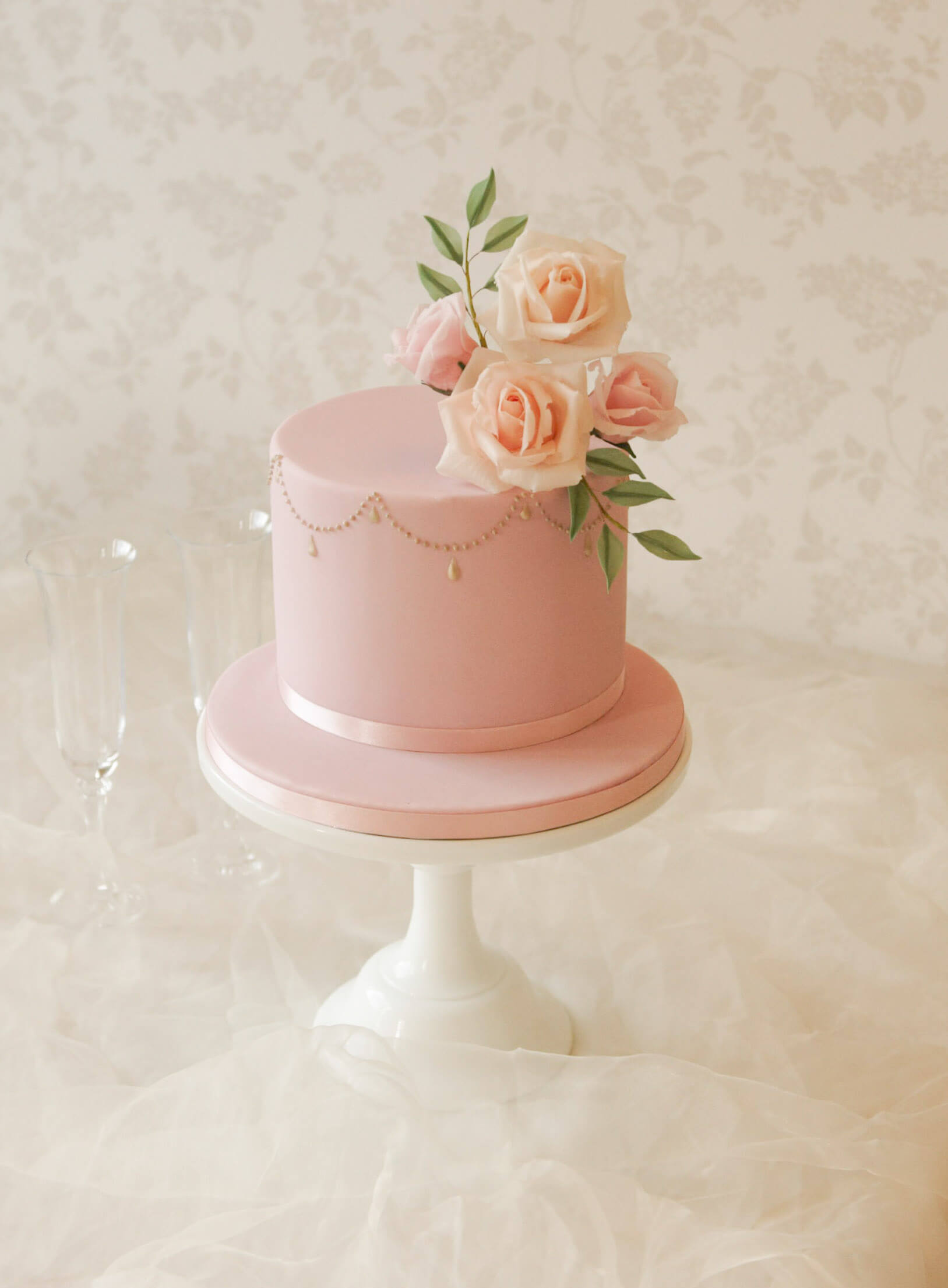 Luxury Celebration Cakes In Buckinghamshire The Rose Cake Parlour