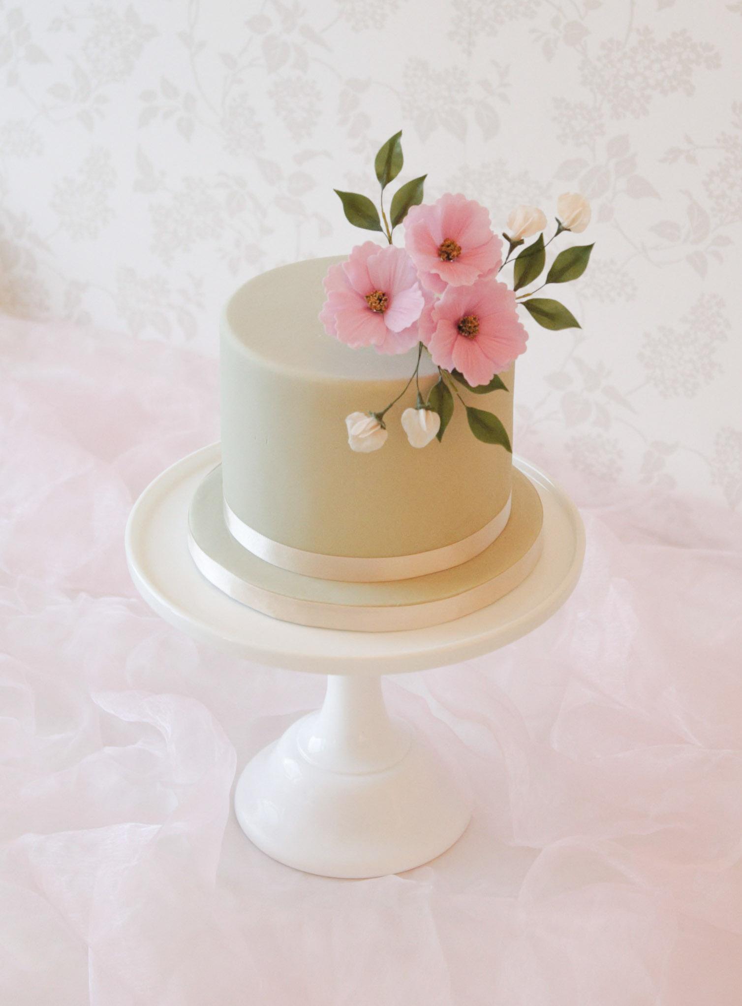 Amazing Luxury Celebration Cakes In Buckinghamshire The Rose Cake Parlour Funny Birthday Cards Online Necthendildamsfinfo