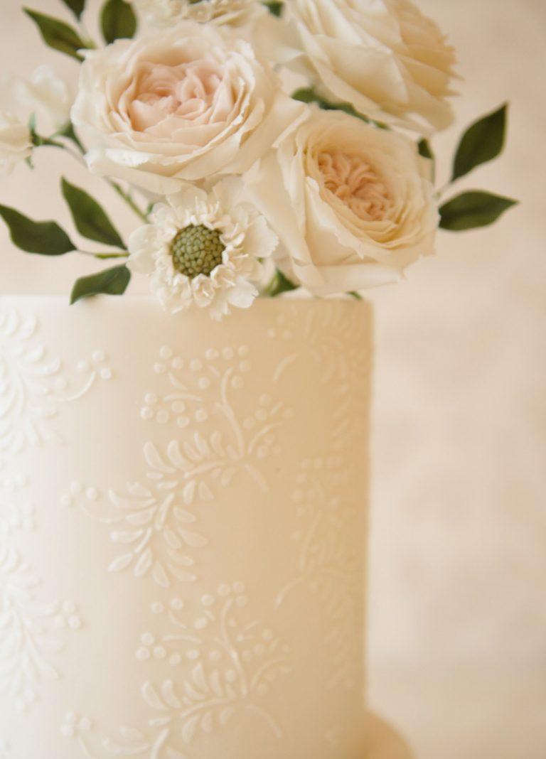 all-white wedding cakes in Milton Keynes